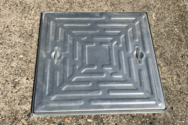 Manhole Cover and Frame – Solid Top